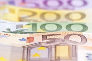 Cum afli care este cel mai bun curs valutar?
