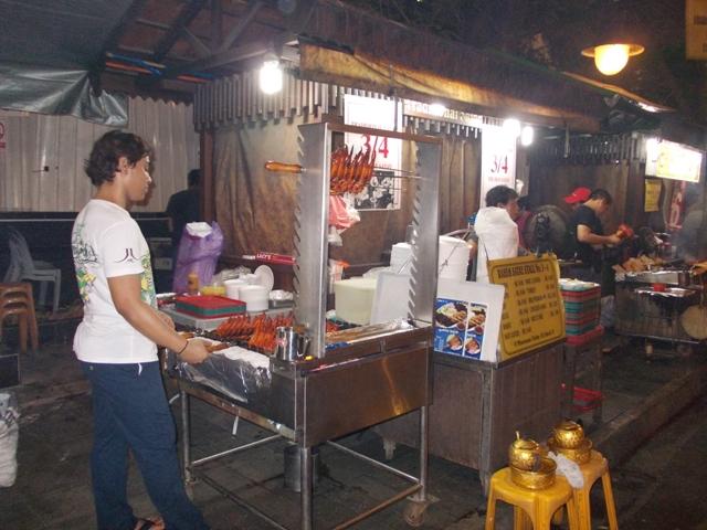Lau-Pa-Sat-food court
