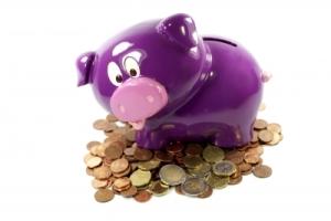 Cinci măsuri simple pentru a economisi 500 de lei într-un an