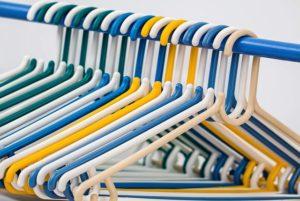 Împachetarea hainelor prin metoda KonMari