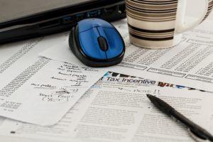 6 criterii pentru alegerea băncii unde economisești