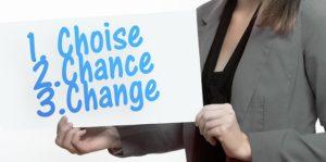 8 schimbări mentale pe care le poți face de astăzi pentru a-ți gestiona mai bine finanțele