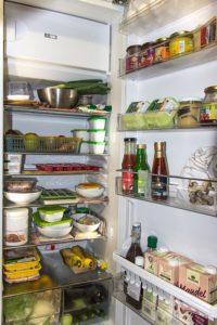 Este gătitul pentru o lună întreagă o variantă de economisire?