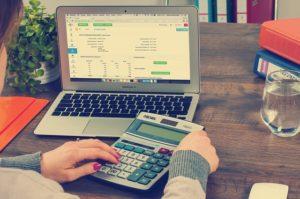 Câteva cifre de luat în considerare pentru analiza propriei situații financiare