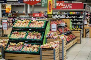 10 idei care te ajută să economisești la hypermarket