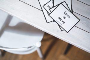 6 idei pentru a cumpăra mai puține lucruri, economisind mai mult