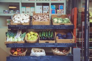 Fă efortul de a cunoaște magazinul de unde cumperi [mici trucuri de economisire]