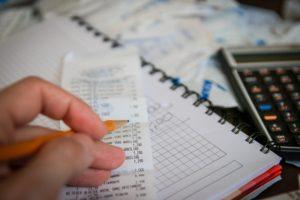 5 schimbări financiare pe care să le faci de astăzi