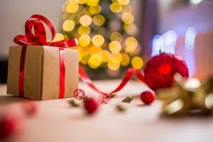 Cum să îți planifici cheltuielile în luna cadourilor fără să îți faci praf bugetul