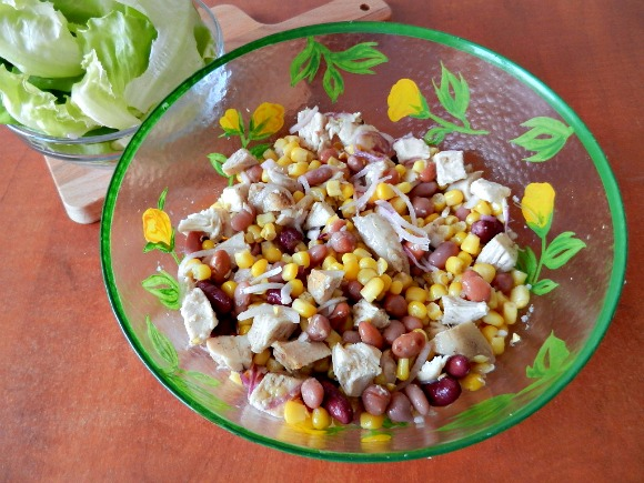 4-Amestecam-ingredientele-salatei